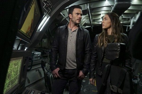 agents-of-shield-season-3-the-team-image-3