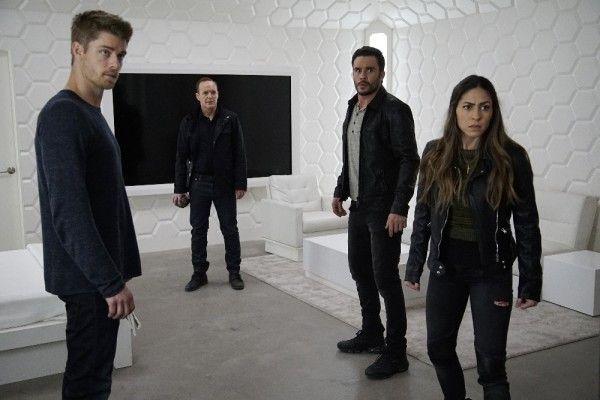 agents-of-shield-season-3-the-team-image-6