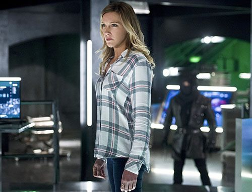 arrow-katie-cassidy-02