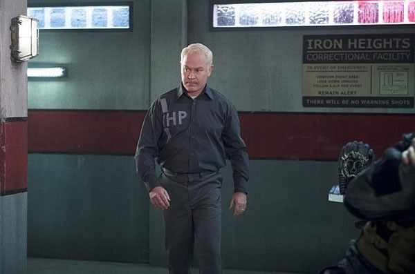 arrow-neal-mcdonough