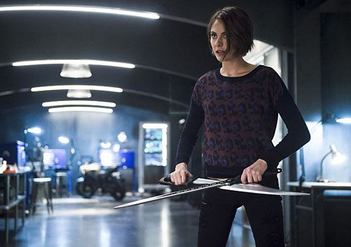 arrow-willa-holland-02