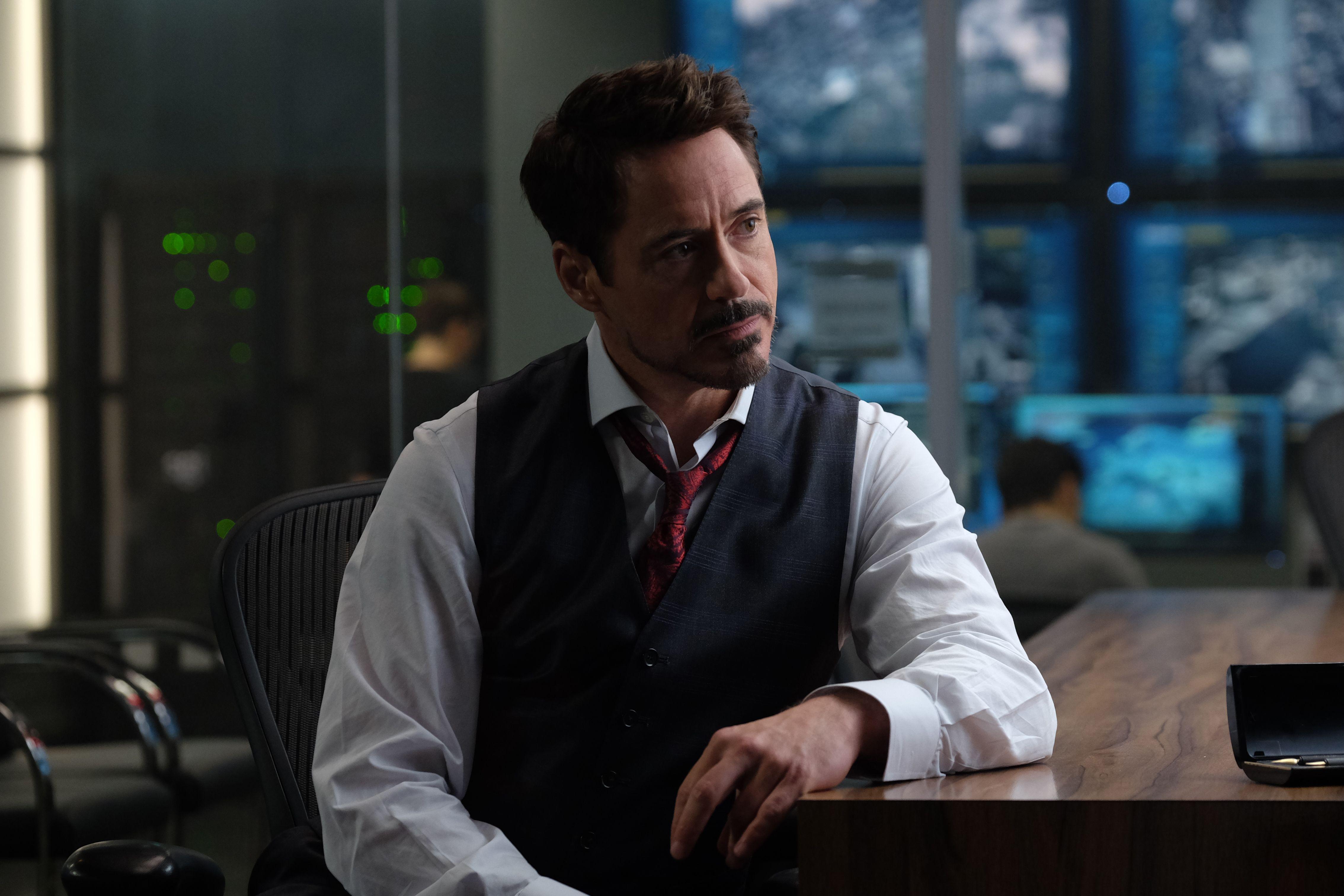 2fa8ff7c8a Robert Downey Jr. to Make Directing Debut on Singularity