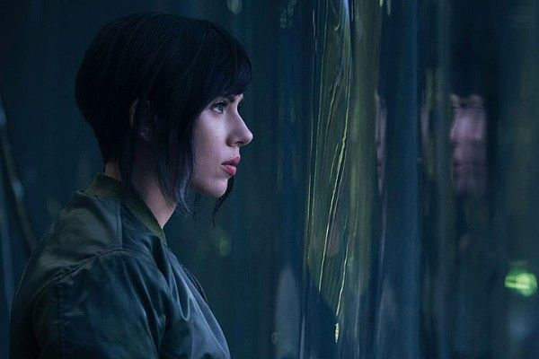 http://cdn.collider.com/wp-content/uploads/2016/04/ghost-in-the-shell-scarlett-johansson-600x400.jpg