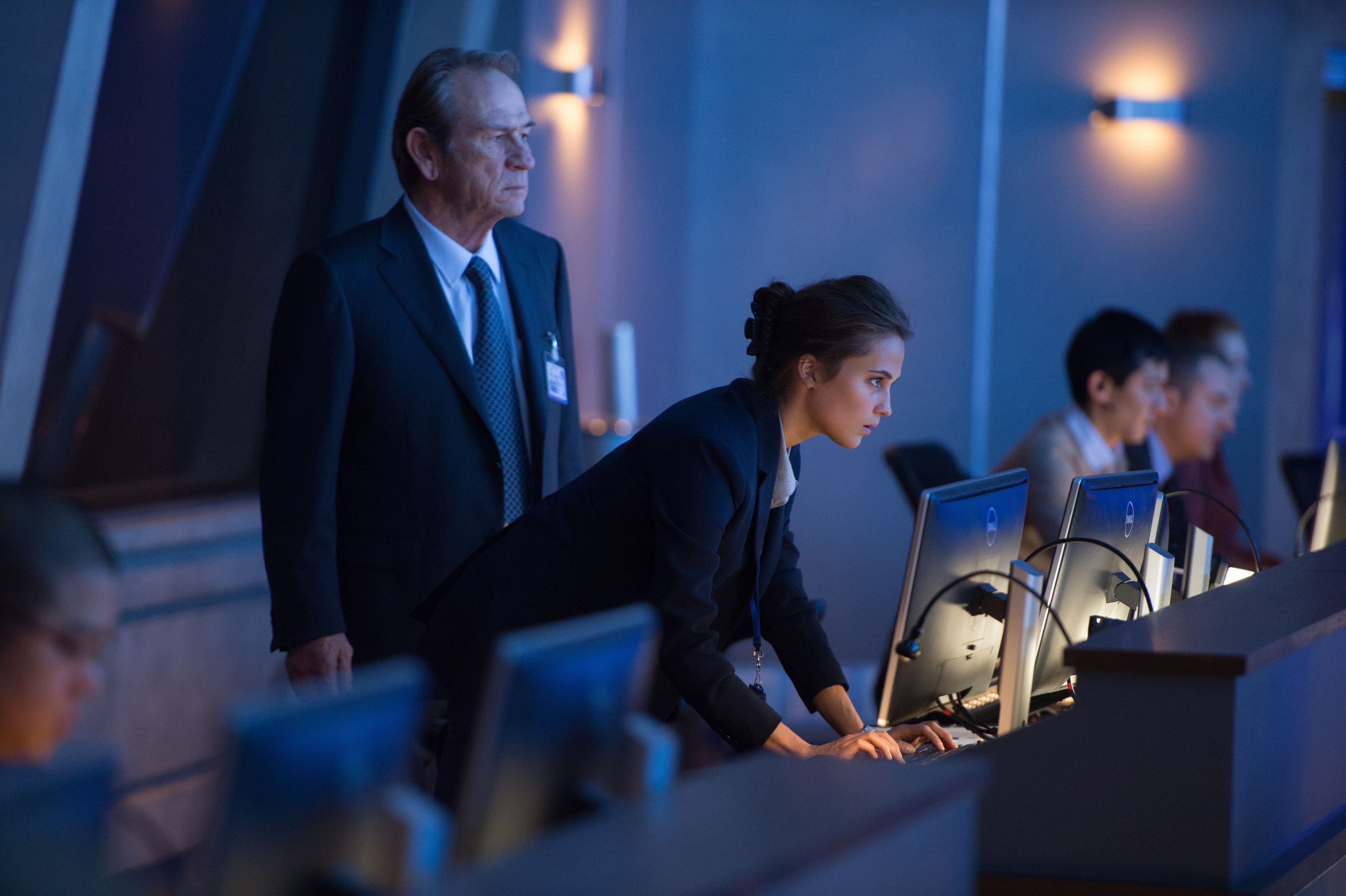 Matt Damon is back with a new 'Jason Bourne' featurette
