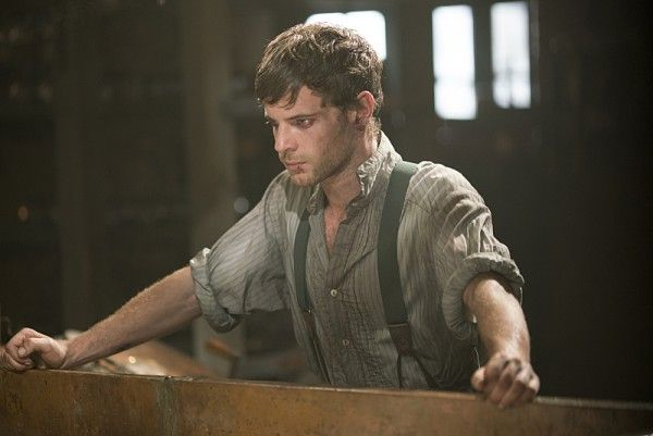 penny-dreadful-season-3-image-harry-treadaway