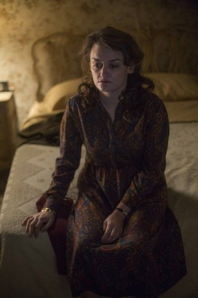 the-americans-travel-agents-alison-wright-image