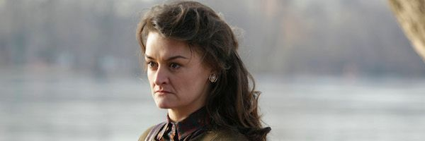 the-americans-travel-agents-alison-wright-slice-1