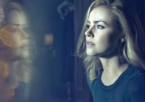 12-monkeys-amanda-schull-01