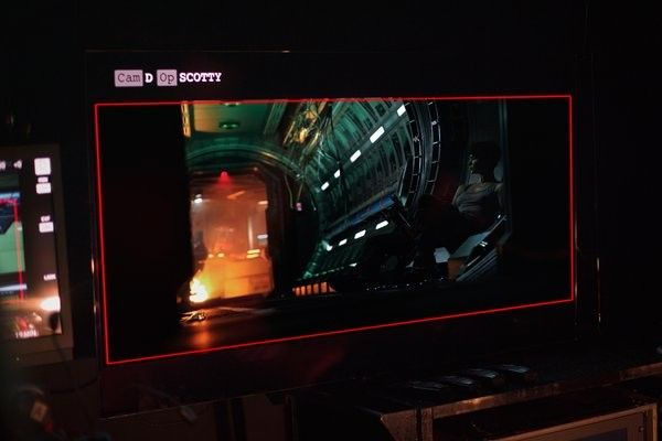 alien-covenant-katherine-waterston-set-photo-1