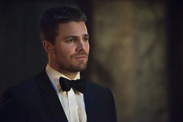 arrow-genesis-stephen-amell