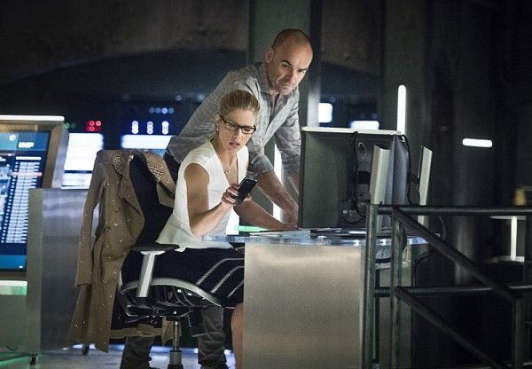 arrow-image-lost-in-the-flood-emily-bett-rickards-paul-blackthorne