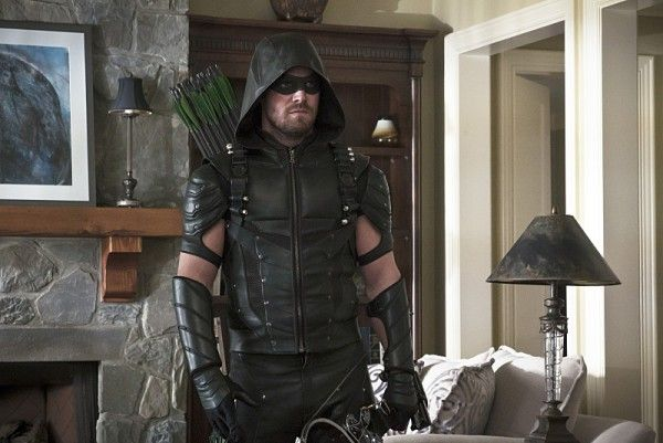 arrow-image-lost-in-the-flood-oliver-queen-stephen-amell