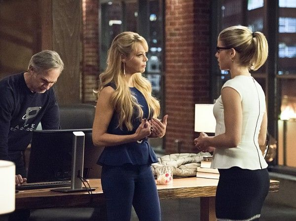 arrow-image-lost-in-the-flood-tom-amandes-charlotte-ross-emily-bett-rickards