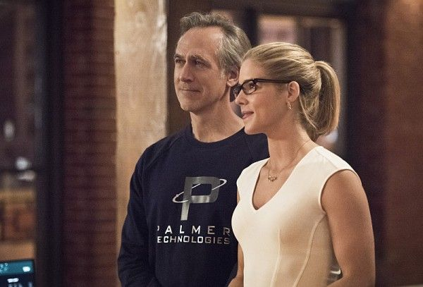 arrow-image-lost-in-the-flood-tom-amandes-emily-bett-rickards-image