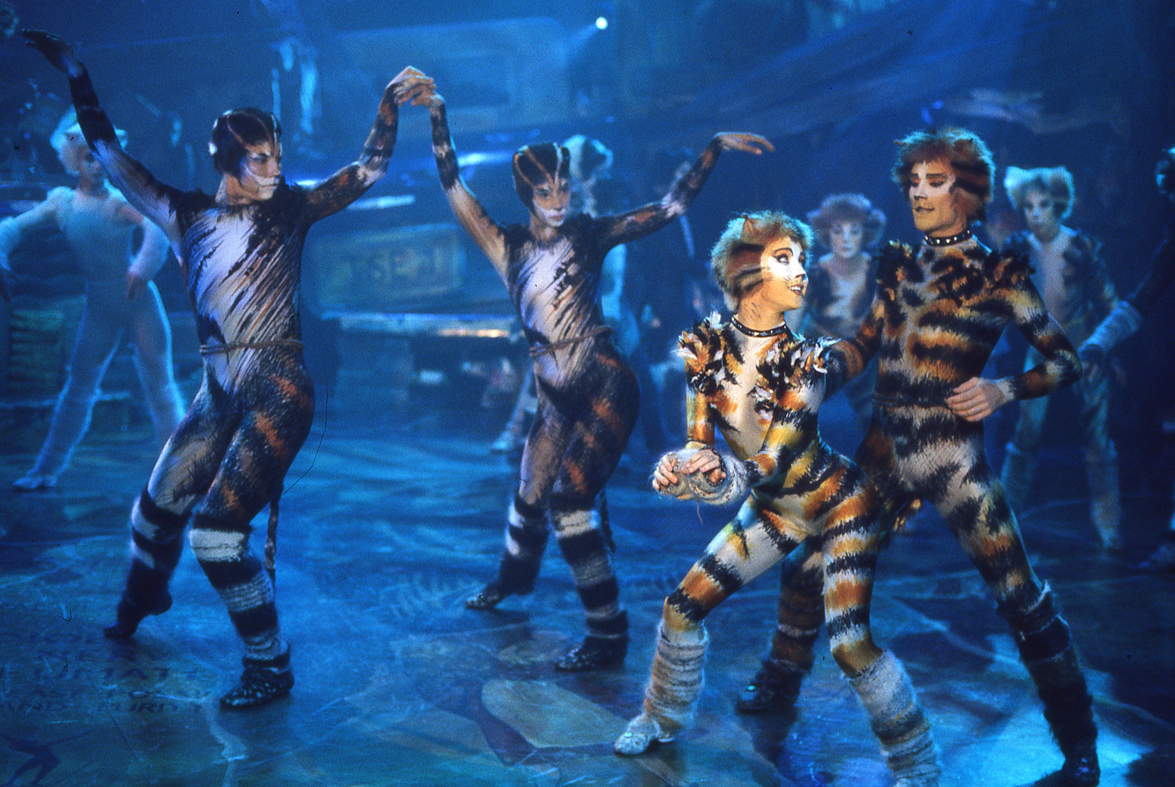 Tom Hooper to Direct a Feature Adaptation of Cats the