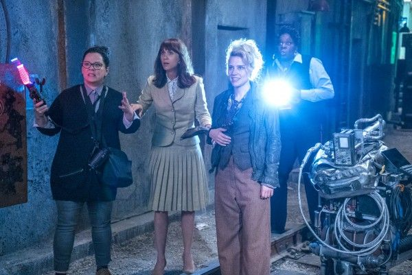 ghostbusters-cast-melissa-mccarthy-leslie-jones
