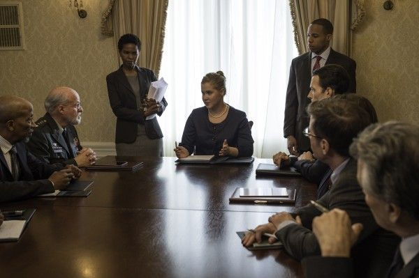 inside-amy-schumer-season-4-image-2