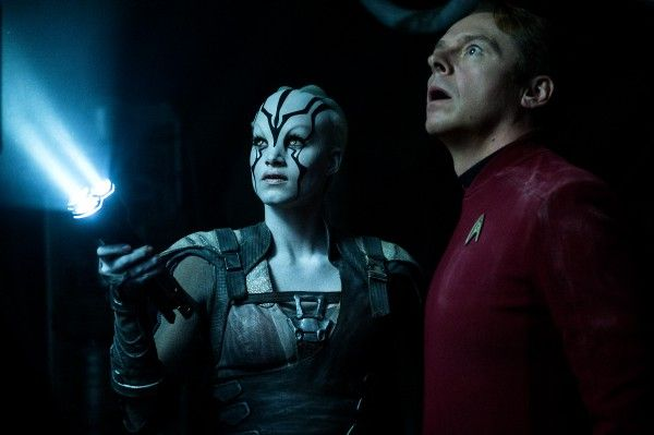 star-trek-beyond-simon-pegg-sofia-boutella
