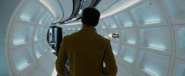 star-trek-beyond-trailer-screengrab-2