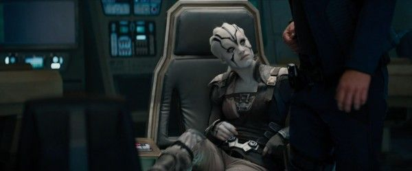 star-trek-beyond-trailer-screengrab-61