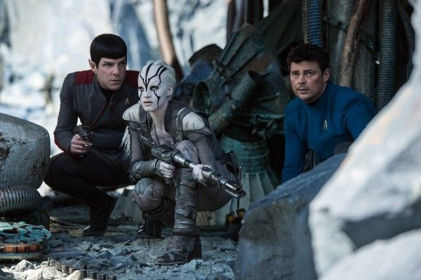 star-trek-beyond-zachary-quinto-karl-urban