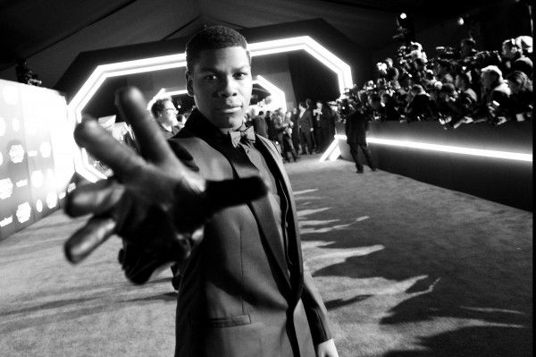 john-boyega-star-wars-the-force-awakens-premiere