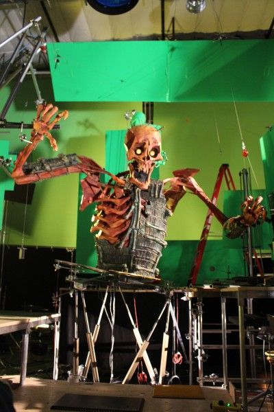kubo-and-the-two-strings-skeleton-6