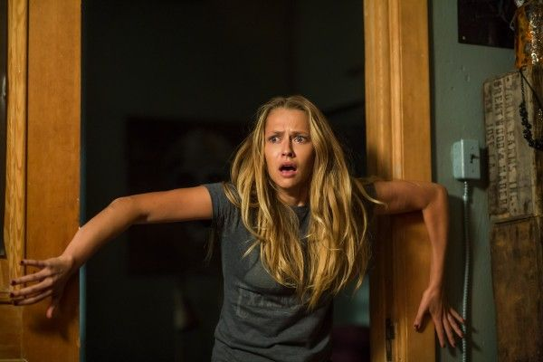 lights-out-teresa-palmer