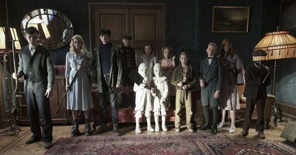 miss-peregrines-home-for-peculiar-children-movie-characters