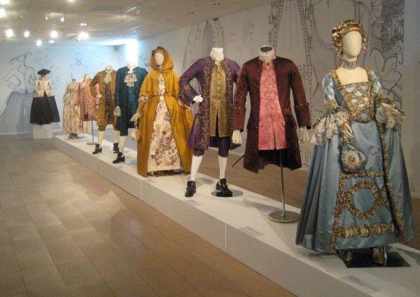 outlander-exhibit-05