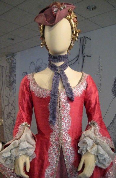outlander-exhibit-09