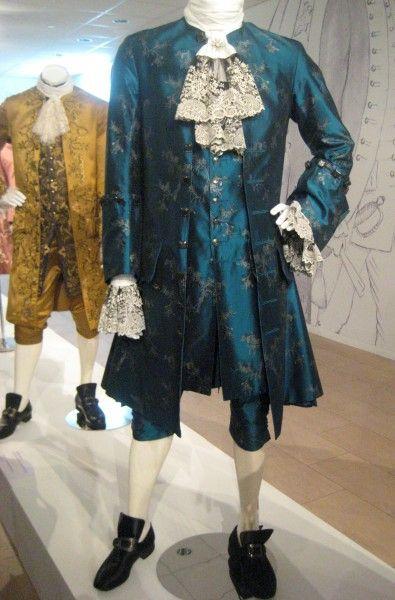 outlander-exhibit-22