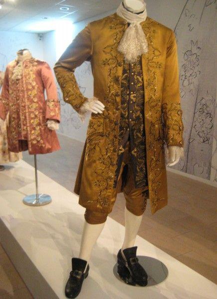 outlander-exhibit-24