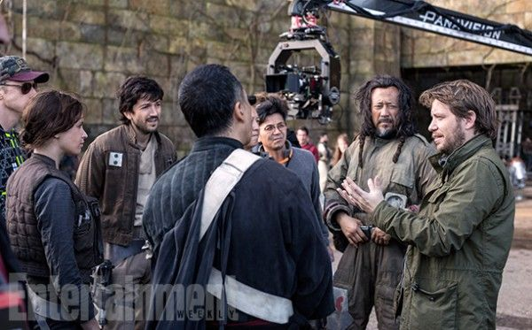 rogue-one-a-star-wars-story-set-photo-gareth-edwards