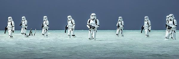 rogue-one-a-star-wars-story-stormtroopers-beach-slice