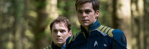 star-trek-beyond-chris-pine-anton-yelchin-slice