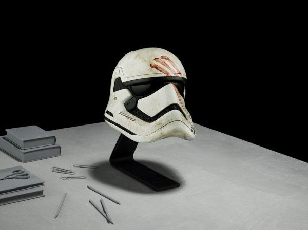 star-wars-prop-replica-finn-trooper-helmet-1