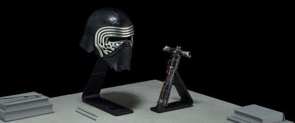 star-wars-prop-replica-kylo-ren-helmet-lightsaber