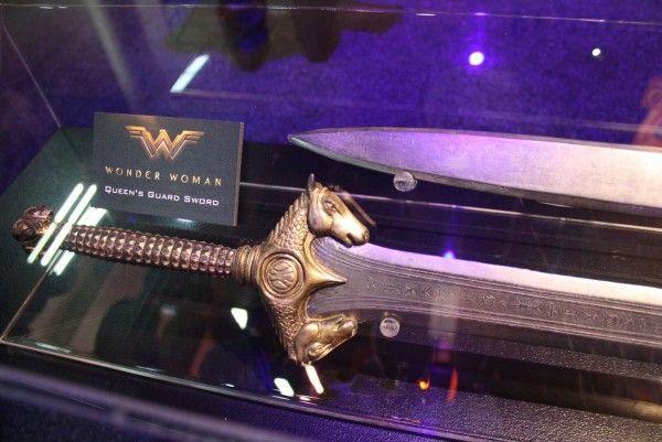 wonder-woman-movie-queens-guard-sword
