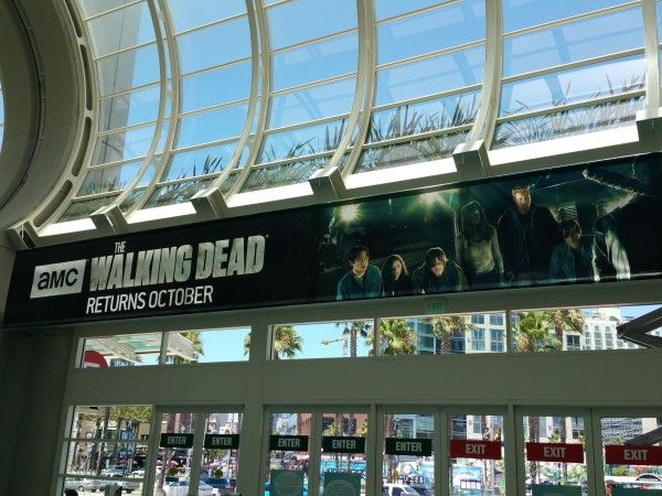 comic-con-2016-walking-dead-season-7-banner