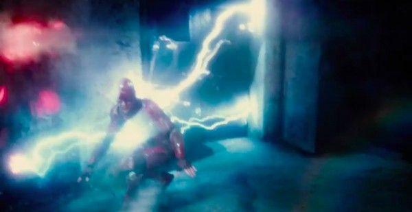 justice-league-movie-image-flash-17