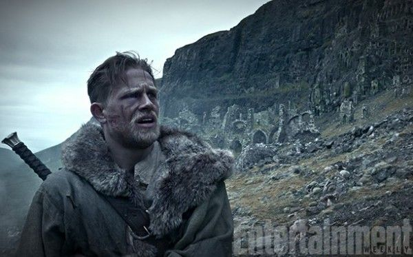 king-arthur-legend-of-the-sword-charlie-hunnam