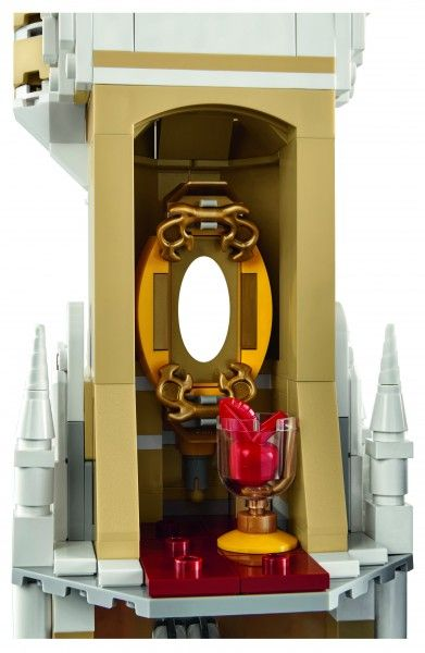 lego-disney-castle-detail-3