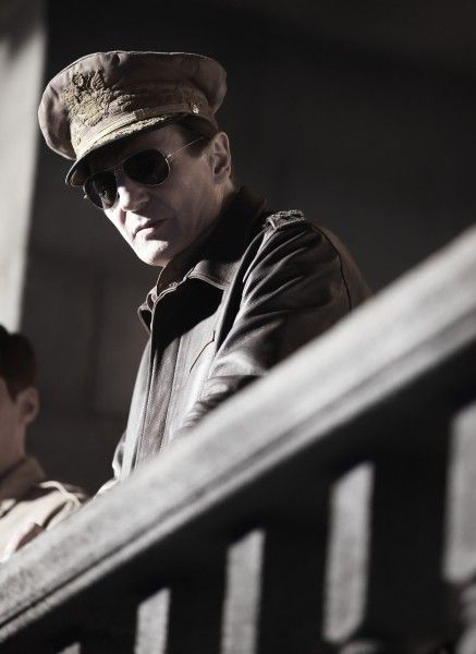 liam-neeson-general-macarthur-operation-chromite