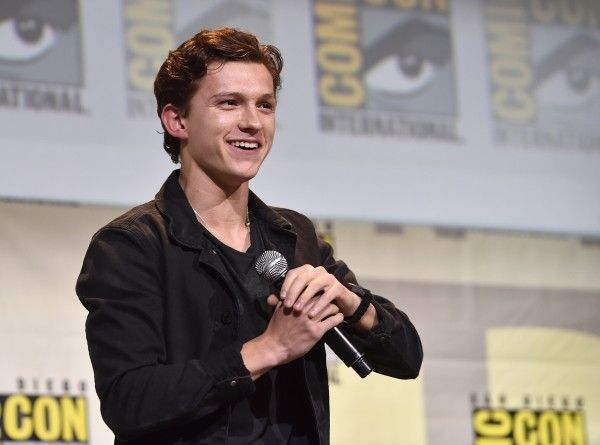 marvel-comic-con-safe-spider-man-homecoming-tom-holland-1