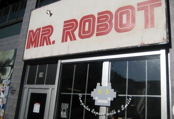 mr-robot-installation-01