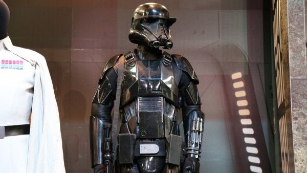 star-wars-rogue-one-costumes-death-trooper