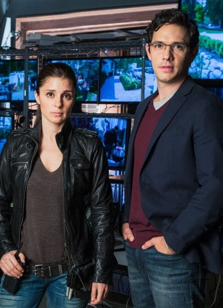 unreal-shiri-appleby-michael-rady-01