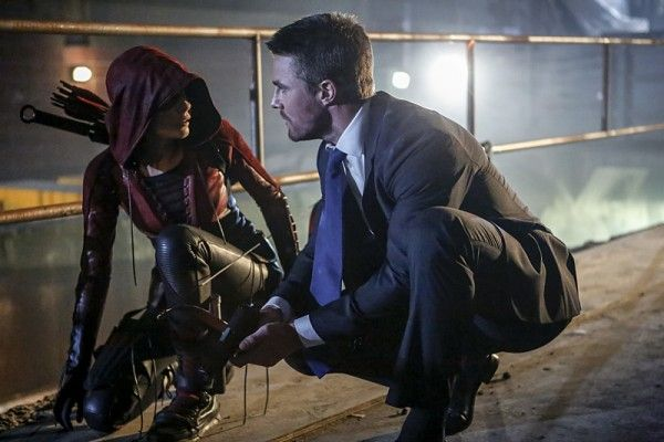 arrow-season-5-premiere-images-willa-holland-stephen-amell