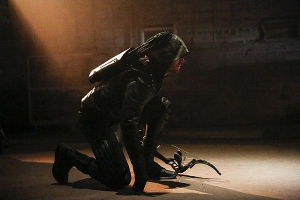 arrow-season-5-premiere-images-stephen-amell